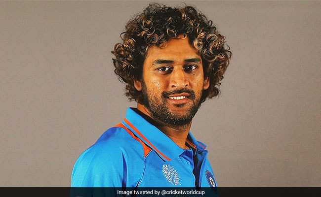 ms dhoni picture as malinga went viral on social media fans trolled